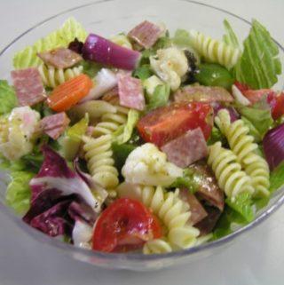Itališkos makaronų salotos