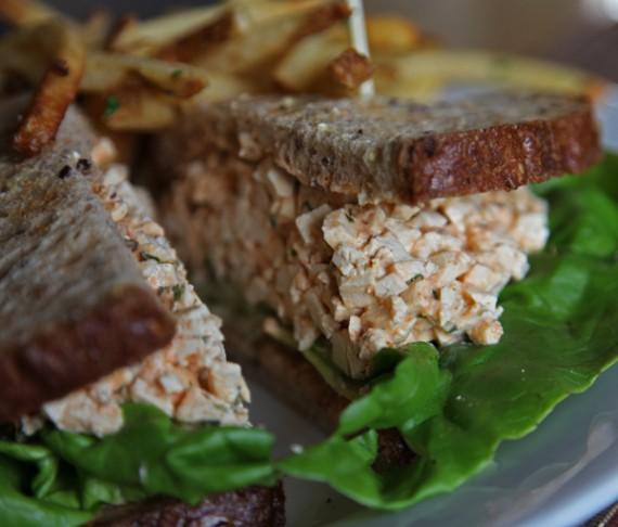 Tofu sumuštinis