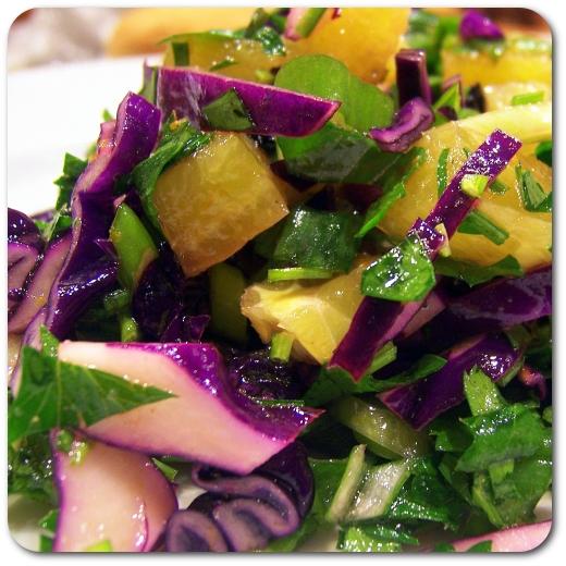 Citrininės kopūstų ir petražolių salotos
