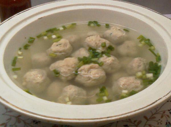 Vištienos kukulių ir makaronų sriuba