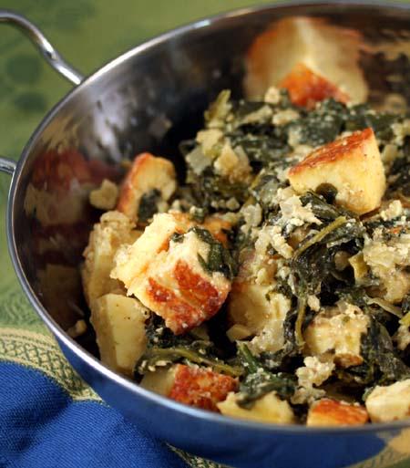 Indiška tofu su špinatų padažu