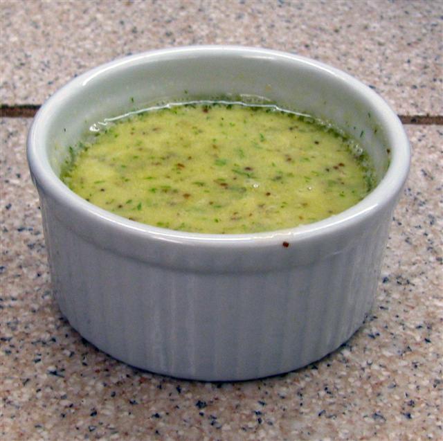 Salotų padažas su garstyčiomis