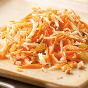 Morkų salotos su medaus ir citrinų padažu