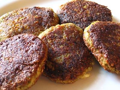 Baklažano kotletai su fermentiniu sūriu