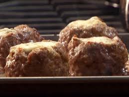 Mėsos kukuliai įdaryti džiovintomis slyvomis ir abrikosais