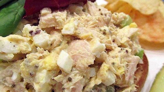Kiaušinių ir tuno užkandis