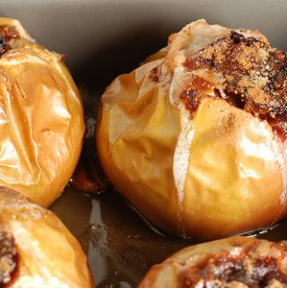 Orkaitėje kepti farširuoti obuoliai