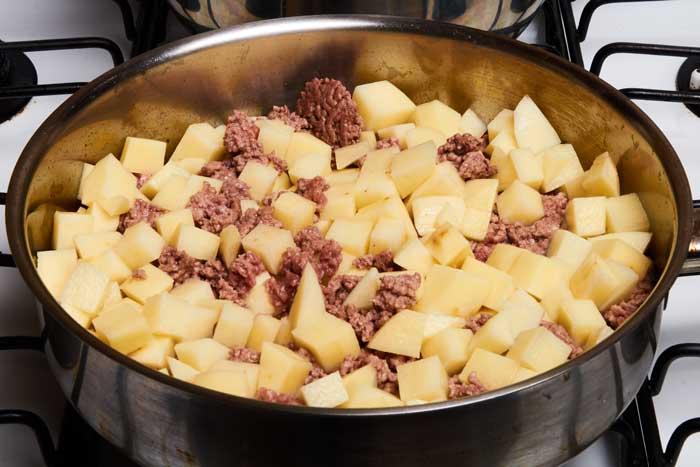 Keptos bulvės su faršu