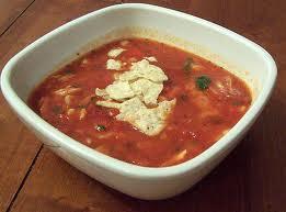 Keptų pomidorų sriuba su vištiena