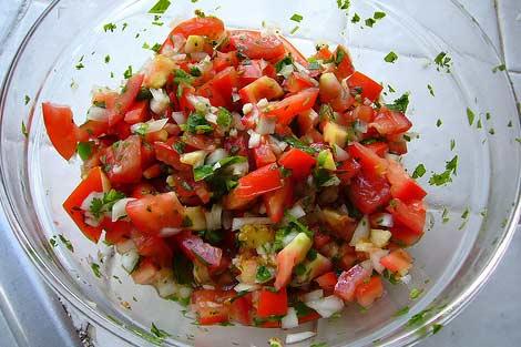pomidoru salsa