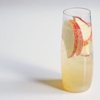 Vaisinis šampano kokteilis