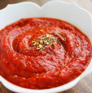 Lengvas pomidorų padažas picai