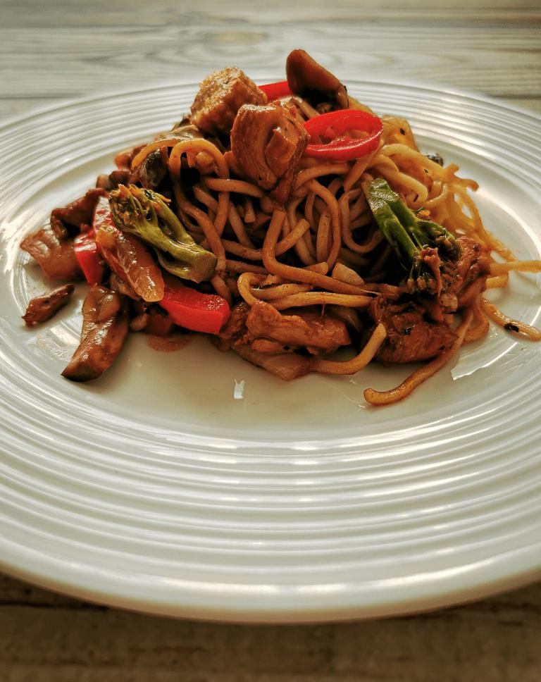Chow Mein Makaronai