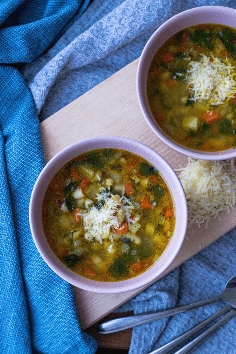 Greita pupelių ir daržovių sriuba